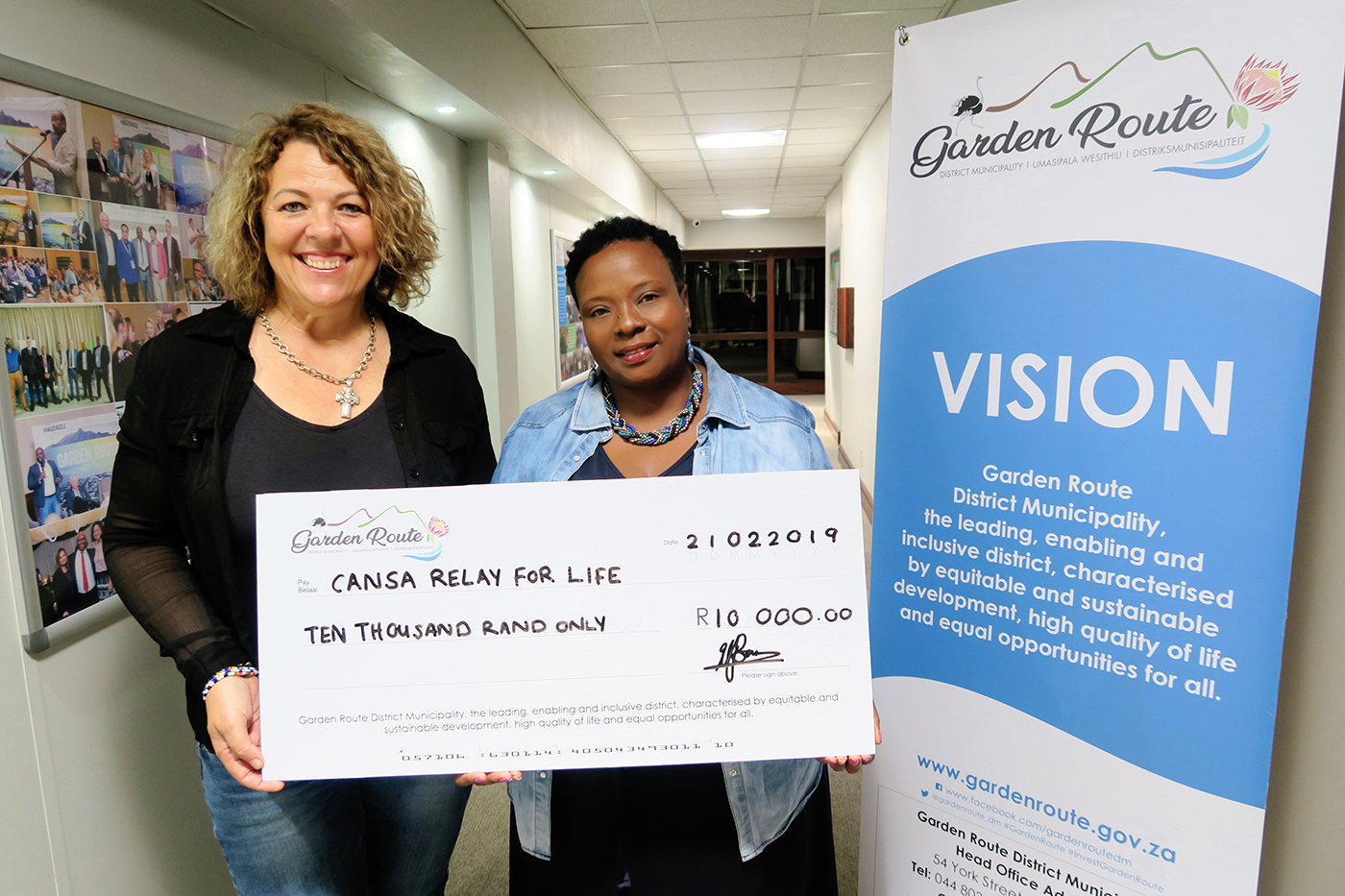 Speaker Bouw-Spies donates R10 000 to CANSA Relay